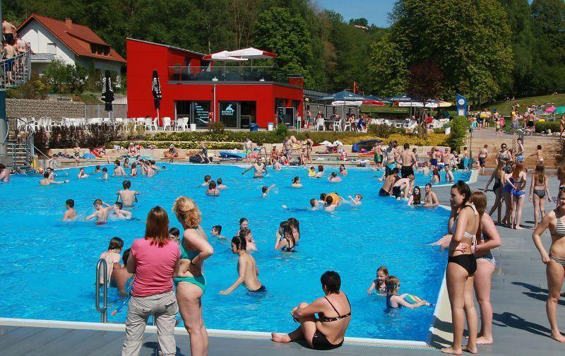 Coronavirus Im Schwimmbad