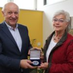St. Wendel: Lebenshilfemedaille an Angela Hartmann verliehen
