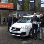 St. Wendel: Unsere Volksbank eG spendet einen neuen Peugeot  an die Stiftung Hospital St. Wendel
