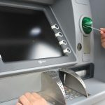 Vorsicht an Geld- und Überweisungsautomaten