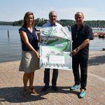 Bosen:Innenminister Bouillon überreicht Landrat Recktenwald Bedarfszuweisung für Ausbau der Festwiese