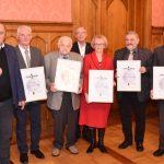 """Innenminister Bouillon zeichnet fünf Kommunalpolitiker aus dem Landkreis St. Wendel mit der """"Freiherr-vom-Stein-Medaille"""" aus"""