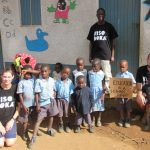KISOBOKA – es ist möglich! Hasborner Geschwisterpaar baut Kindergarten in Uganda