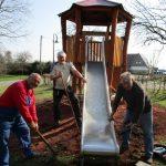 Steinberg-Deckenhardt: Spielekombination auf dem Spielplatz fertiggestellt