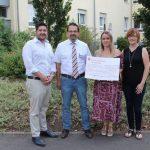 """Alsfassen: """"Gudd Zweck Extrem Grillen"""" war erfolgreich- """"Ally hilft e.V."""" spendet 300 Euro an das Altenhilfezentrum der Stiftung Hospital"""