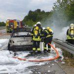 Türkismühle: BMW brennt auf A62