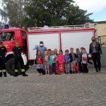 Otzenhausen: Feuerwehr überreicht Turnbeutel mit Unterrichtsmappen an Vorschulkinder