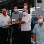 Handdesinfektionsspender für Sicherheit im Schulbus