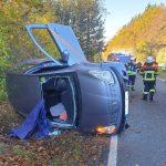 Schwangere Fahrerin musste aus Auto befreit werden