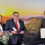 Umweltminister Jost überreicht Bundesverdienstkreuz an Harald Becken
