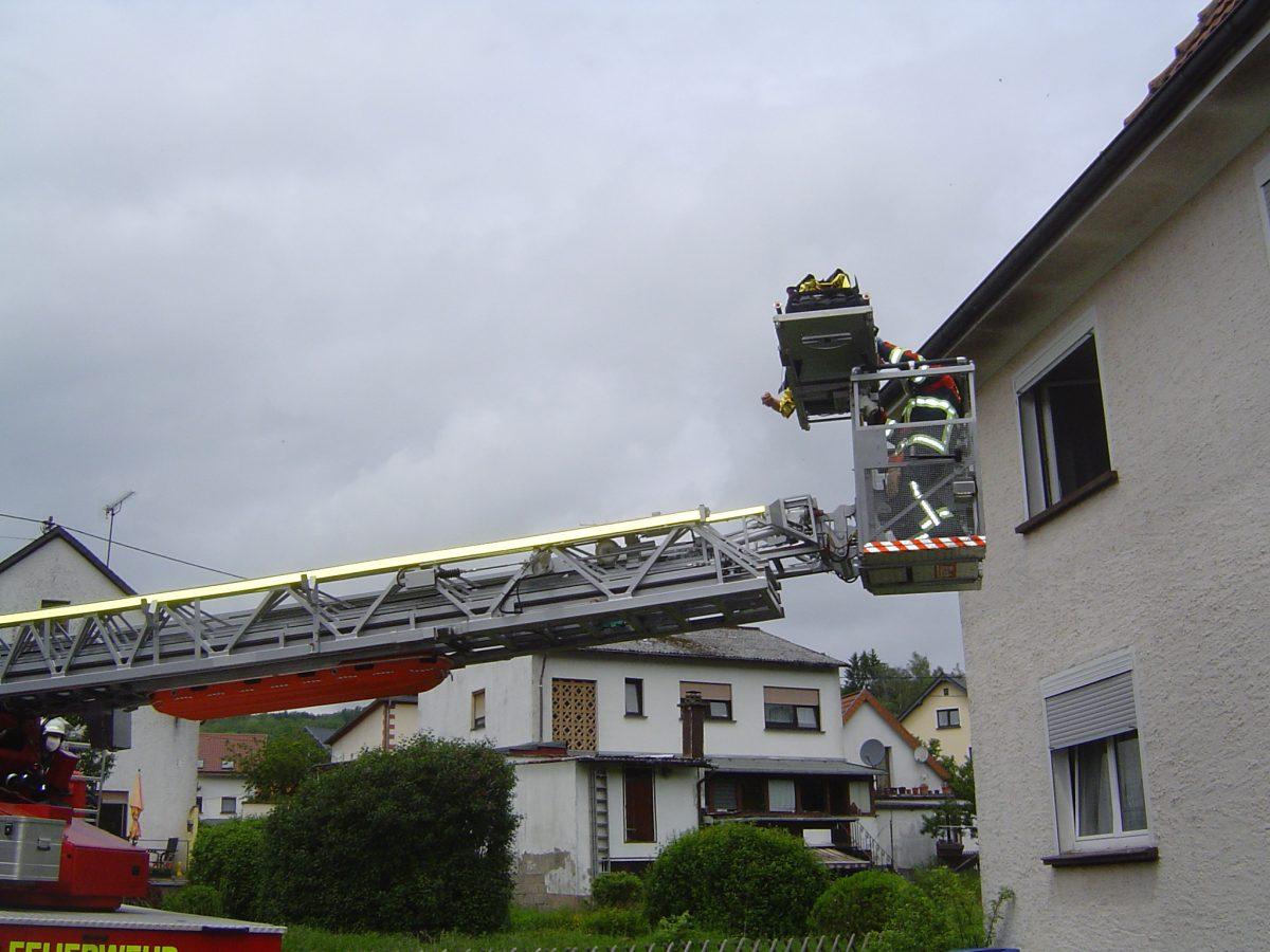 Kastel: Feuerwehr unterstützt Rettungsdienst