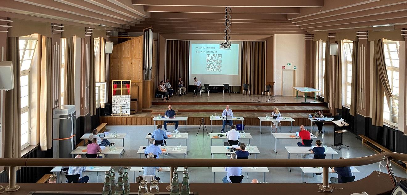 Kreistagssitzung am 28.06.2021 in der Aula des Gymnasium Wendalinum (Foto: Laura Brill)